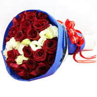 Elegant Full of Love Roses Bouquet