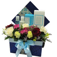 Seasonal Greetings Hamper with Flowers