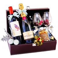 Breathtaking Holiday Assortments Gift Hamper