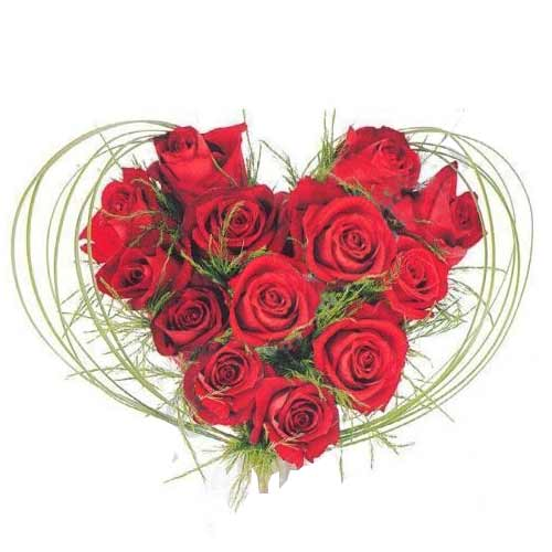 Luxurious Gift of 1 Dozen Roses in Heart Shaped Arrangement on Valentines Day